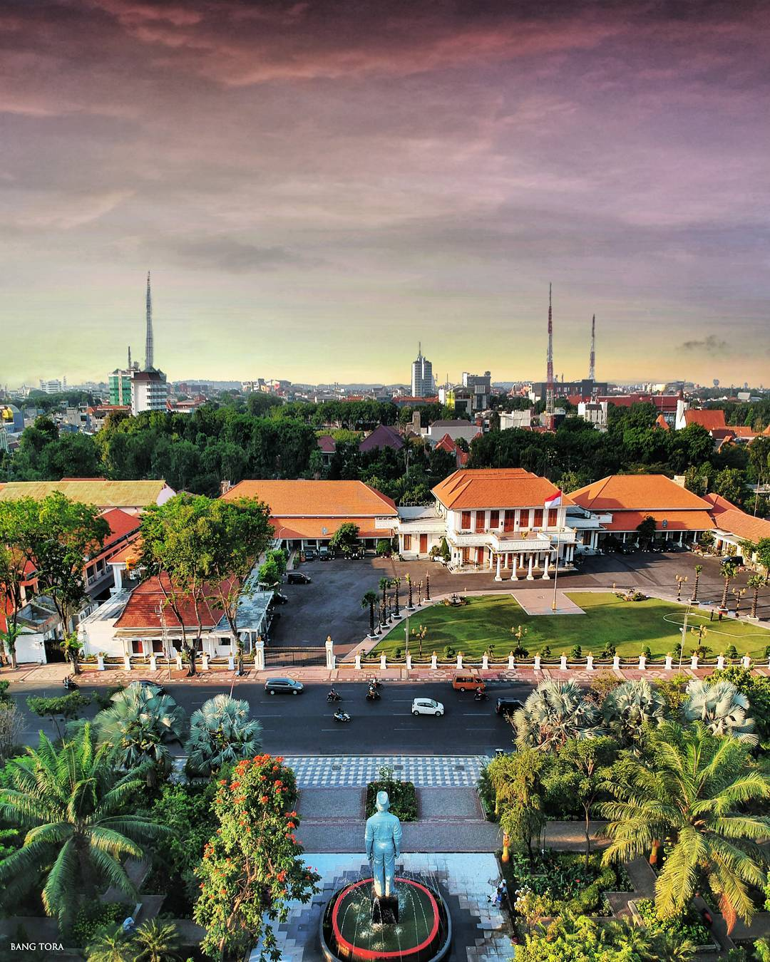 Top 8 Exciting things to do in Surabaya City, Indonesia_skyline