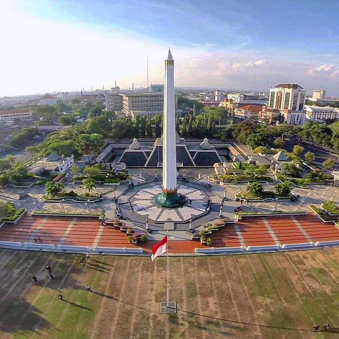 Top 8 Exciting things to do in Surabaya City, Indonesia_Tugu Pahlawan