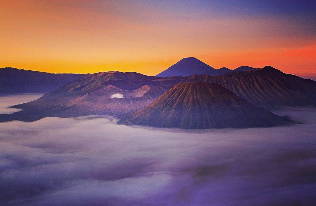 Top 8 Exciting things to do in Surabaya City, Indonesia_Mount Bromo Sunrise