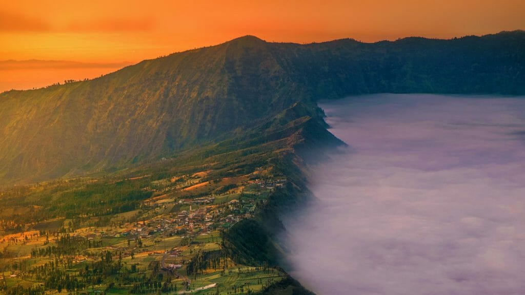 4 Days Bromo Ijen Crater Blue Flame Travel Package cemoro lawang