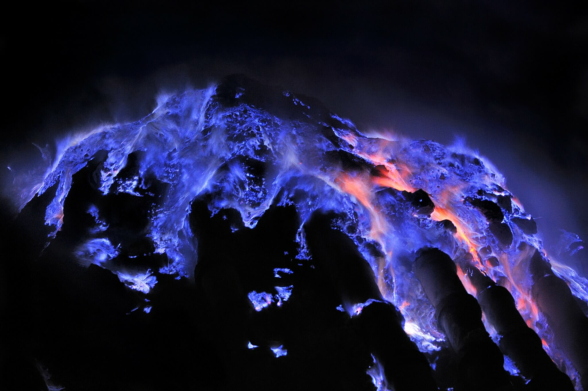 Indonesia Surabaya East Java ijen blue flame-min