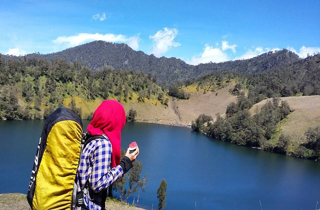 East Java, Surabaya mountain trekking and hiking trails_mount Semeru 2