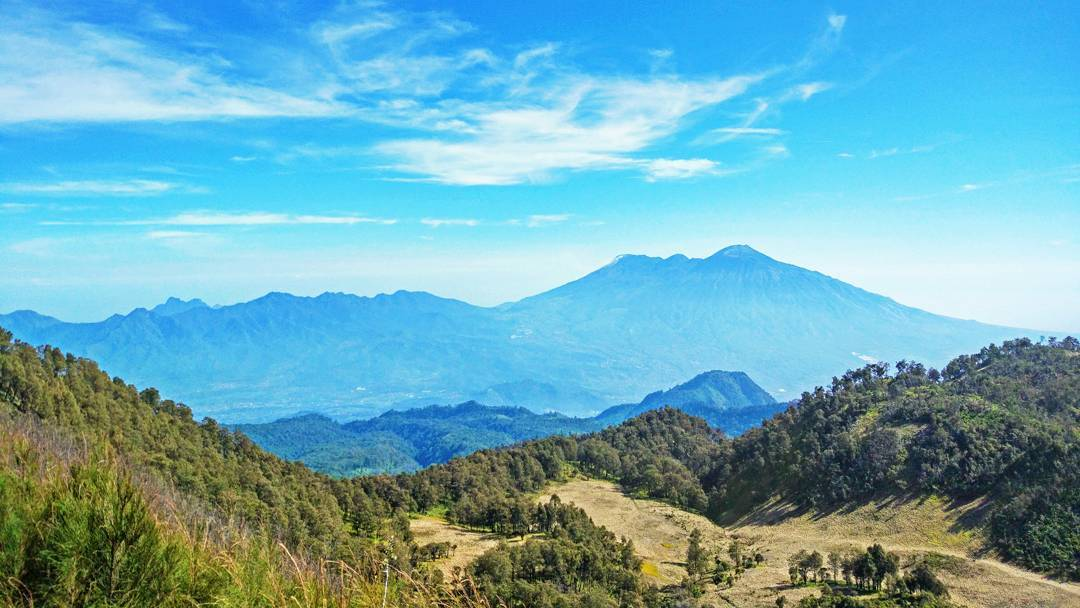 East Java, Surabaya mountain trekking and hiking trails_mount Butak 2