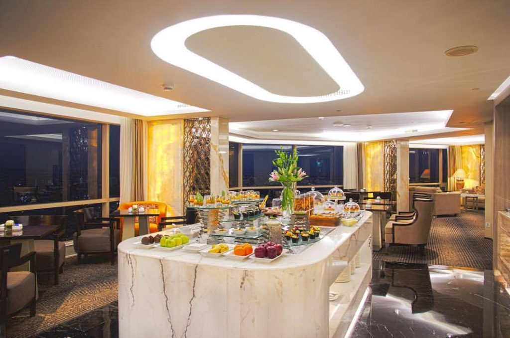 best surabaya city hotels near Tunjungan Plaza Mall_Marriott surabaya dining