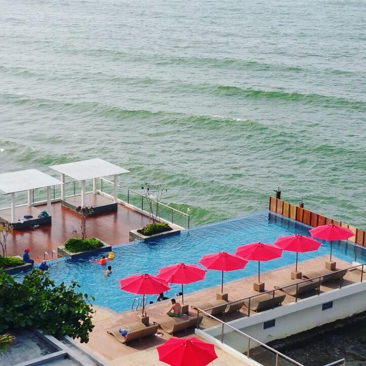 Top 5 Unique Surabaya Resorts and East Java Accommodations _Tanjung Kodok sea