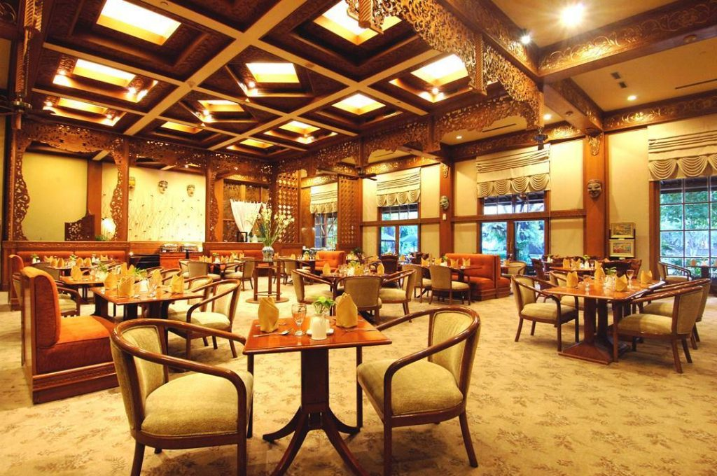 Top 5 Unique Surabaya Resorts and East Java Accommodations_surabaya singgasana resort dining
