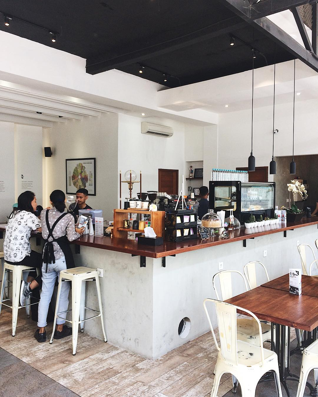 7 recommended Surabaya cafes to hang out and drink coffee_Caturra espresso 1