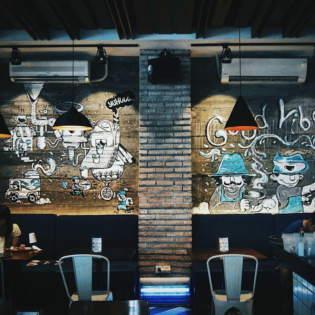 7 recommended Surabaya cafes to hang out and drink coffee_Communal Coffee & Eatery 1