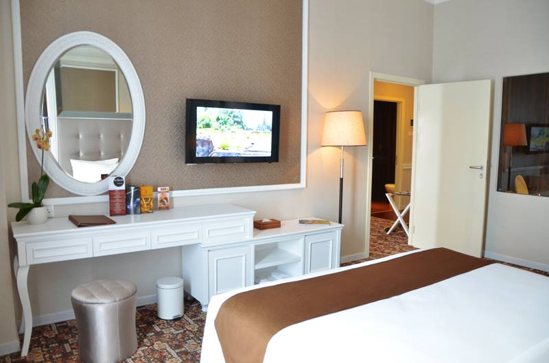 best surabaya city hotels near Tunjungan Plaza Mall_Rich Palace hotel surabaya room