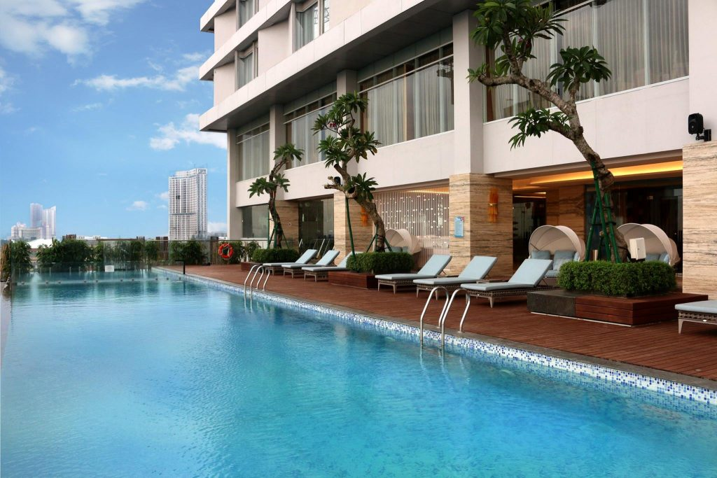 best surabaya city hotels near Tunjungan Plaza Mall_Vasa hotel surabaya pool