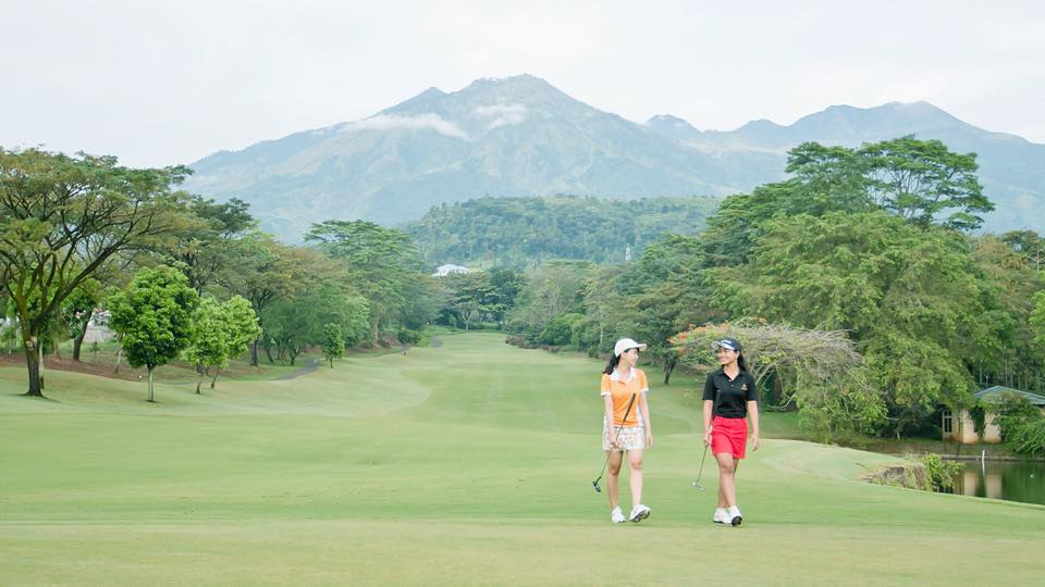Top 5 Unique Surabaya Resorts and East Java Accommodations_Taman Dayu golf