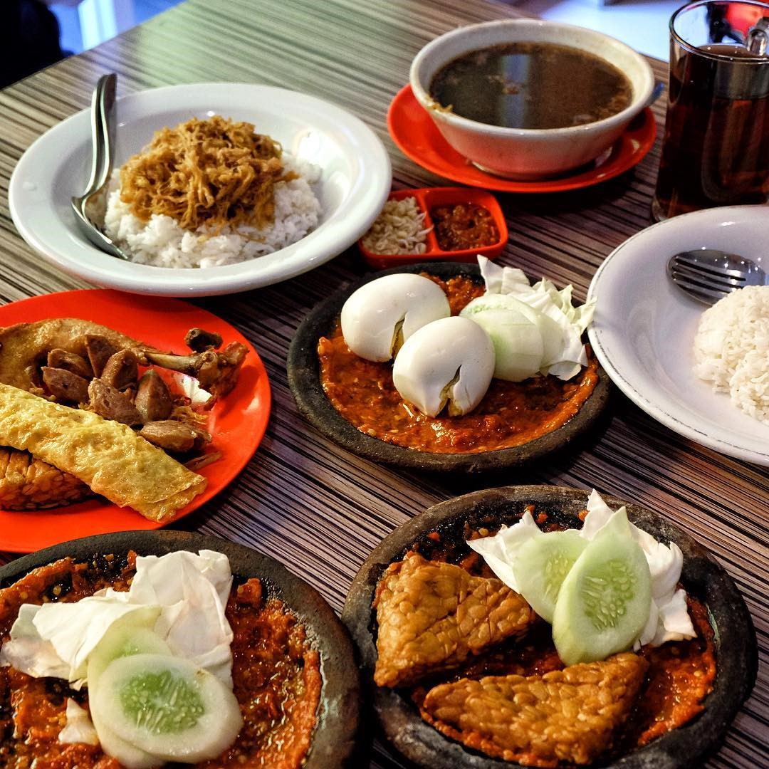 Best Surabaya restaurants & food you must try_bu kris