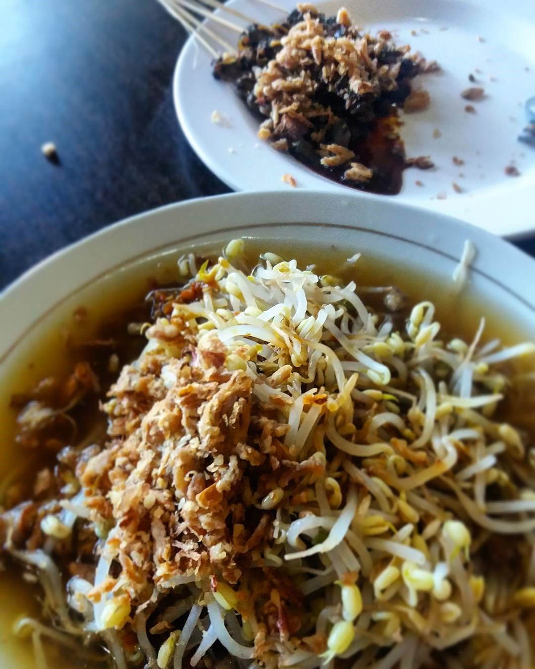 Best Surabaya restaurants & food you must try_lontong pak gendut