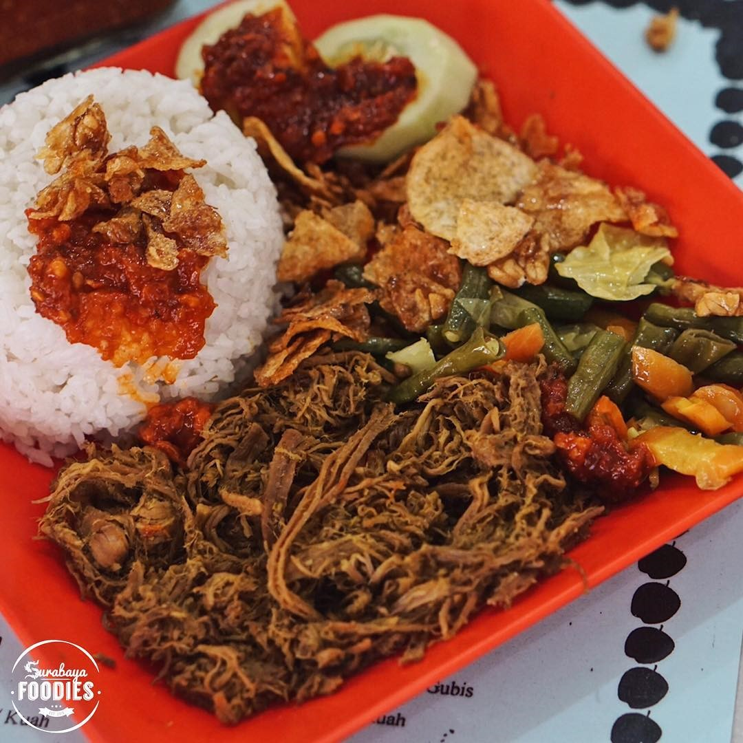 Best Surabaya restaurants & food you must try_nasi empal pengampon 2